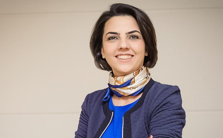 Uma mulher que constrói caminhos e soluções para o ecossistema empreendedor