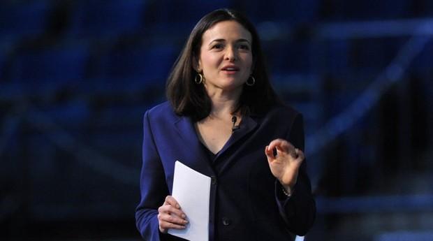 Sheryl Sandberg, a COO do Facebook, parabeniza o encontro de mulheres em Curitiba