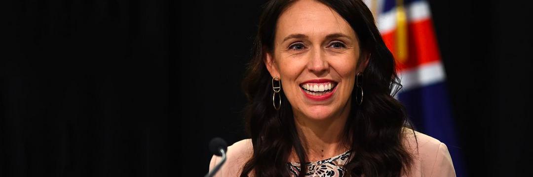 Jacinda Ardern se torna premiê mais popular da história da Nova Zelândia
