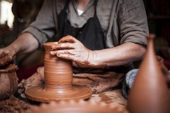 Economia das Mãos: a potência transformadora do Artífice