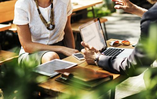 Conexões Femininas e Networking