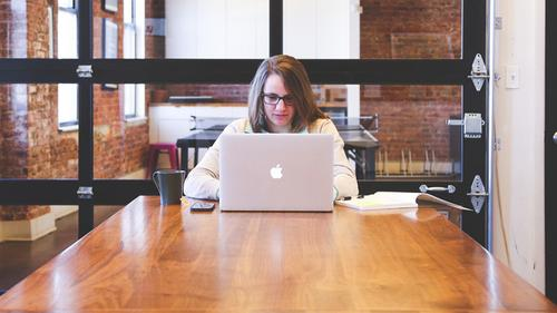 Como a empreendedora deve ficar atenta para evitar riscos jurídicos para o seu negócio