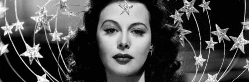 Primeira atriz a fazer cena de orgasmo também criou tecnologia do Wi-Fi