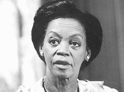 Morre Ruth de Souza, 98, primeira negra a atuar no Theatro Municipal